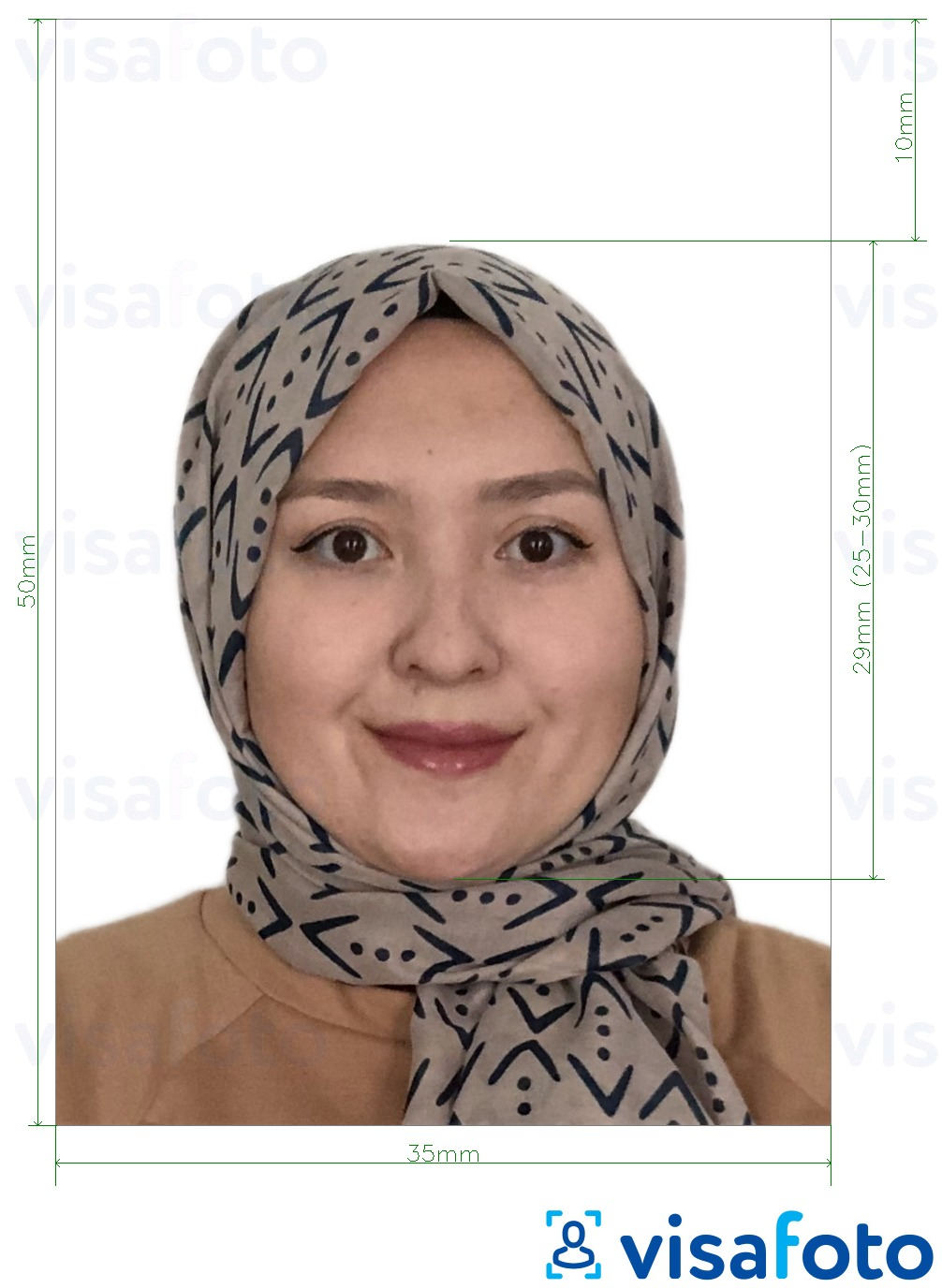 Example of photo for Malaysia Passport 35x50 mm white background with exact size specification