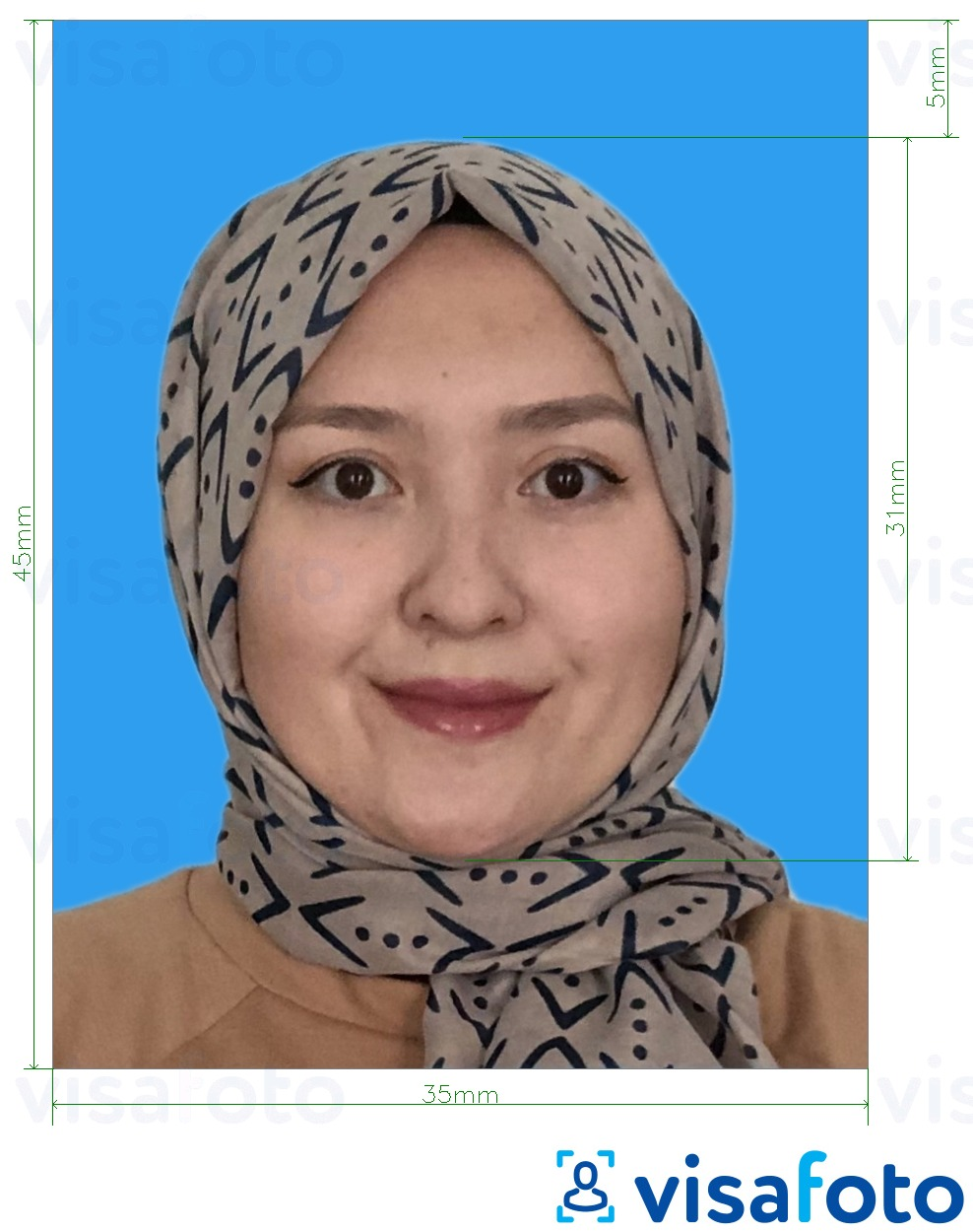 Example of photo for Malaysia Visa 35x45 (blue background) with exact size specification