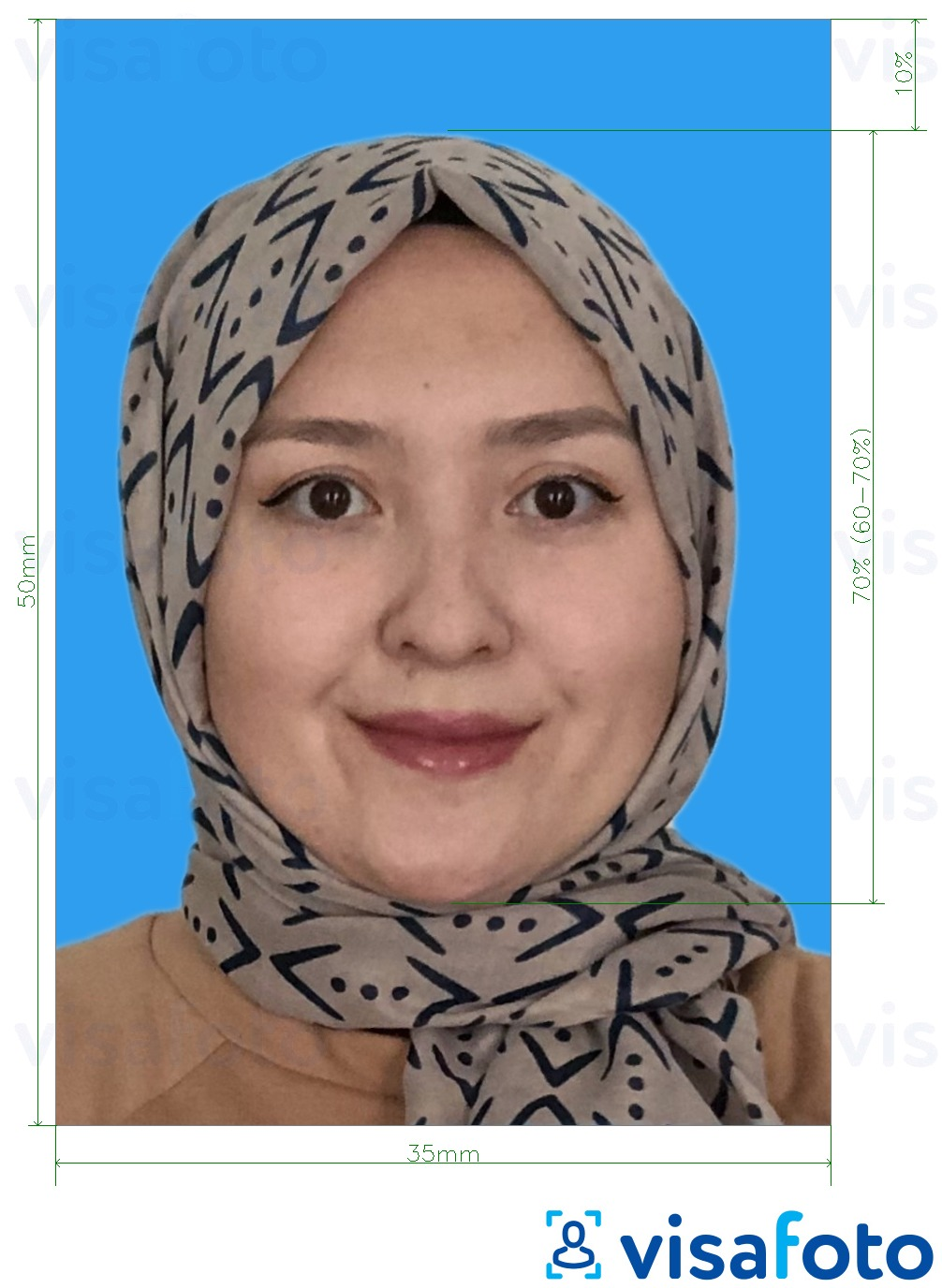Example of photo for Malaysia Visa 35x50 mm blue background with exact size specification