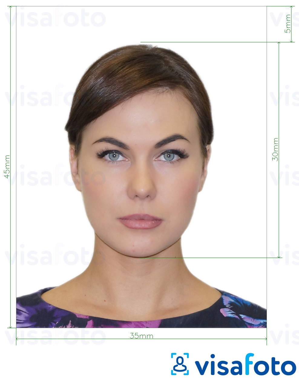 Example of photo for Russia visa via VFSGlobal 35x45 mm with exact size specification